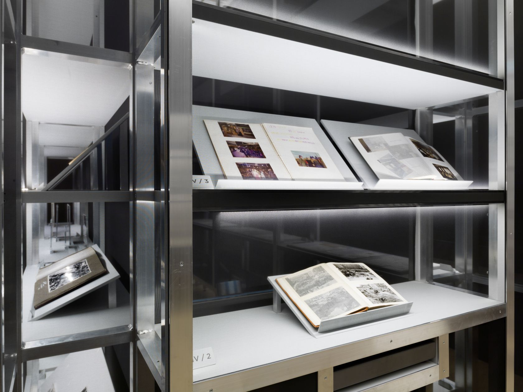 Ausstellung - DIE KUNST DES AUFBEWAHRENS-017