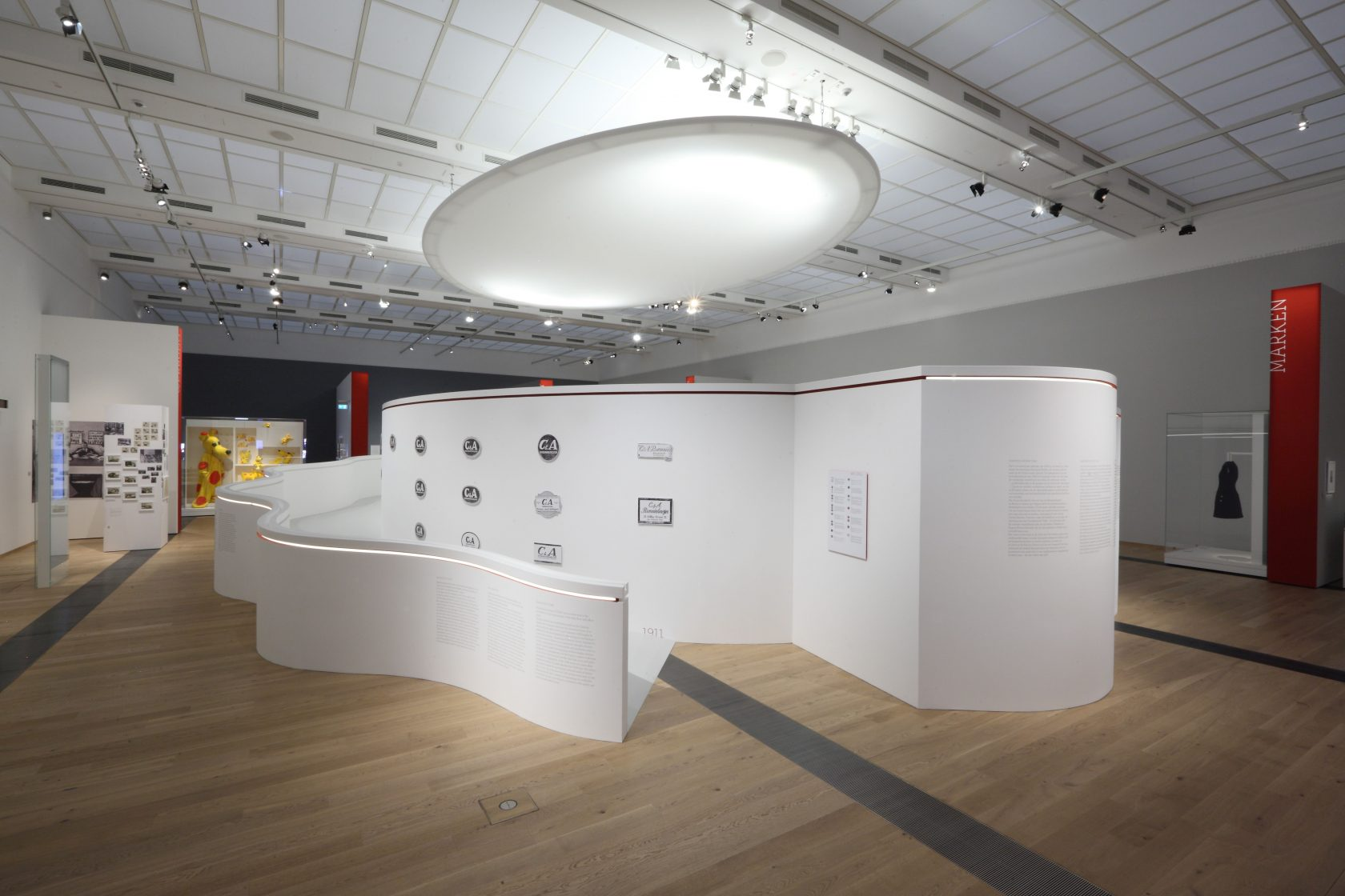 Ausstellung DRAI C6A zieht an-002